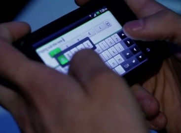 New BlackBerry Torch Video Mistakenly Shows HTC Incredible S' Keyboard Instead