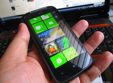 Holy Crapshoot Batman! HTC 7 Mozart (Windows Phone 7) Is Now Only PHP 14,750
