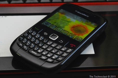 RiM BlackBerry Curve 8520 Unboxing–Budget Messenger With WiFi For PHP 8,000