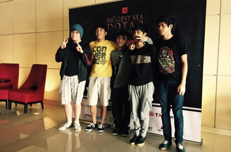 Filipino DotA 2 Pro Team Removed From Plane By PH Immigrations