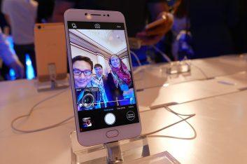 The Vivo V5 Packs A Whopping 20 Megapixel Selfie Camera