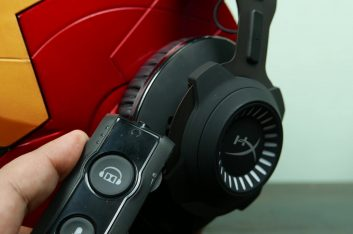 GAME CHANGER! (HyperX Cloud Revolver S Review – 7.1 Surround Sound Gaming)