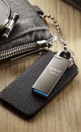 (PR) Apacer Announces AH13A/AH15A USB Flash Drives With Snap Hook