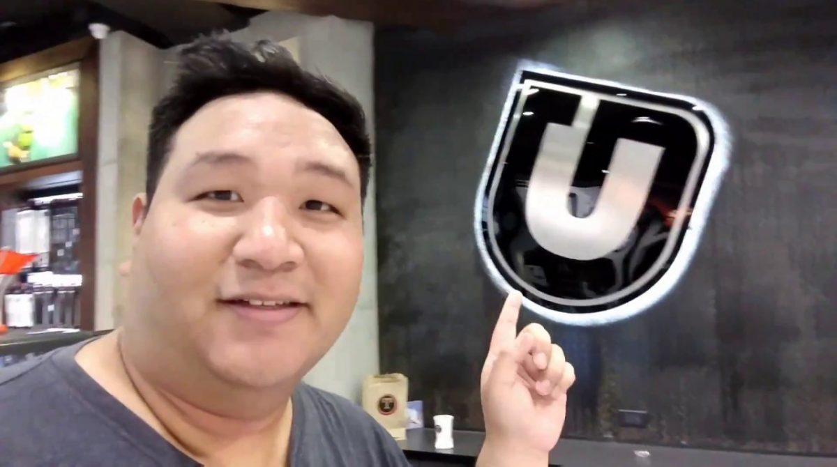 UGLY FAT NERD Buys A Zhiyun Smooth Q Gimbal (Kokak Vlog)